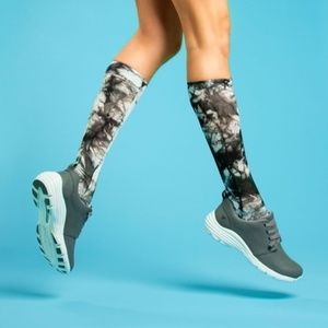 NIP Nurse Mates Compression Socks Tie Dyed 9-11